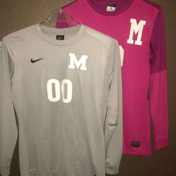 SET OF 2 Women s Nike Dri-Fit Goalkeeper jerseys. M 5a989a258af1c5cc3f20566b 30cffe2c8